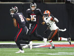 Atlanta Falcons tight end Kyle Pitts catches his first NFL pass from quarterback Feleipe Franks during the first quarter of an NFL preseason football game against the Cleveland Browns, Sunday, Aug. 29, 2021, in Atlanta. (Curtis Compton/Atlanta Journal-Constitution via AP)