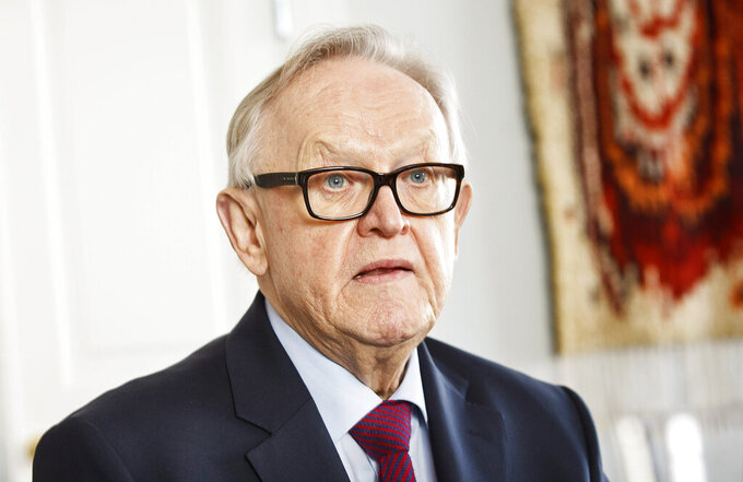"""FILE - In this file photo dated Feb. 16, 2016, former President of Finland Martti Ahtisaari at luncheon for political journalists in Helsinki, Finland. Former Finnish President and Nobel Peace Prize winner Martti Ahtisaari is suffering from Alzheimer's disease and has withdrawn from all public activities. The office of the Finnish President Sauli Niinisto said Thursday, Sept. 2, 2021 that the 84-year-old Ahtisaari """"is receiving support for everyday life at home and occasionally spends periods of treatment in a care facility"""" due to the advanced state of the disease.  (Roni Rekomaa/Lehtikuvaa via AP, File)"""