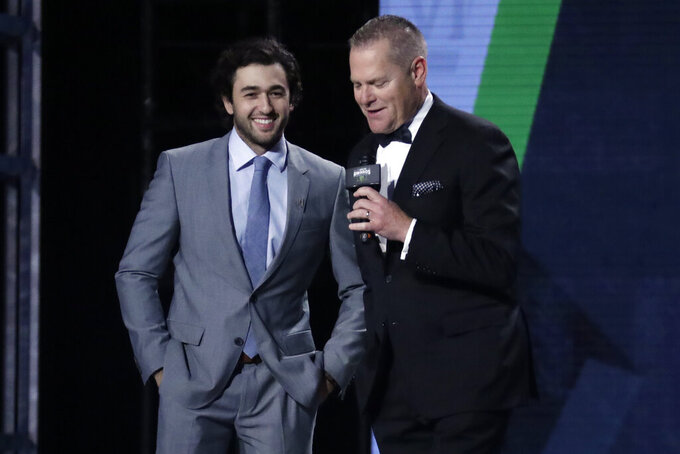 Chase Elliott gets 2nd most popular NASCAR driver award