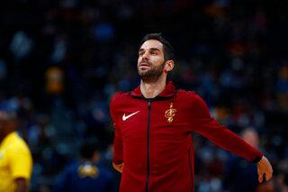 Cavaliers Consistent Calderon Basketball