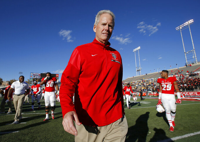 New Mexico's Bob Davie won't make the trip to Notre Dame