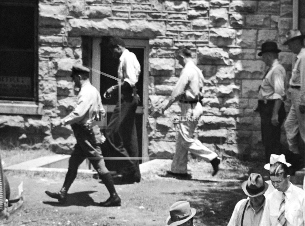 Watchf Associated Press Domestic News  Alabama United States APHS68124 Scottsboro case                    trial    1937