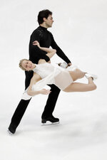Kaitlyn Weaver and Andrew Poje, of Canada, perform during the ice dance free dance competition at the Four Continents Figure Skating Championships on Sunday, Feb. 10, 2019, in Anaheim, Calif. (AP Photo/Chris Carlson)