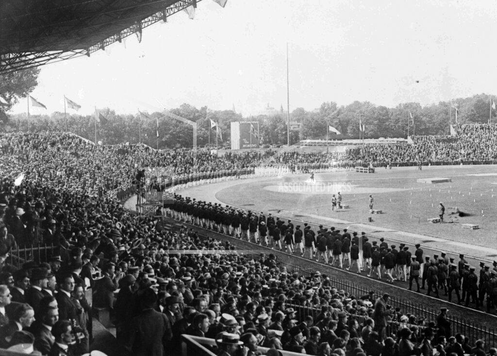Watchf AP I OLY  FRA APHS437913 1924 Summer Olympics