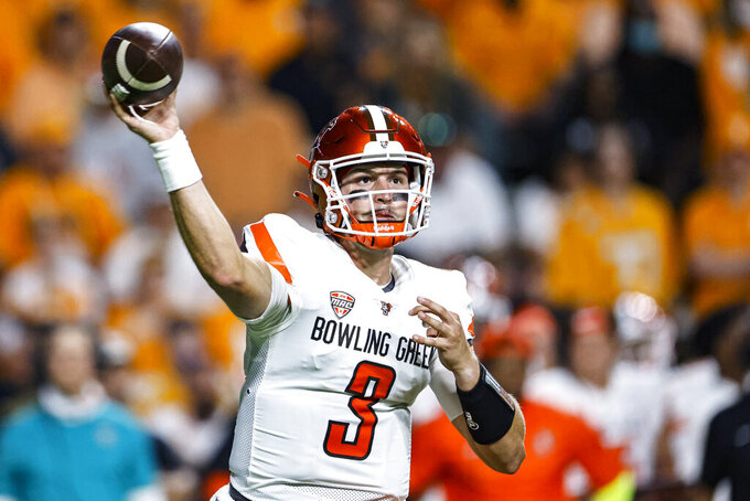 Bowling Green quarterback Matt McDonald throws to a receiver during the first half against Tennessee in an NCAA college football game Thursday, Sept. 2, 2021, in Knoxville, Tenn. (AP Photo/Wade Payne)