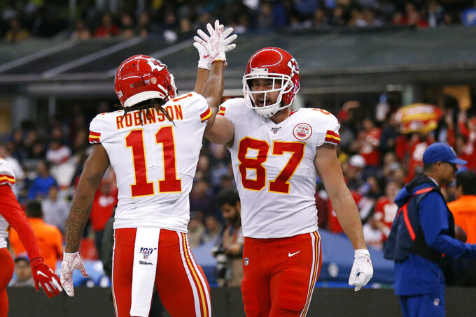 Raiders visit Chiefs with AFC West hanging in balance