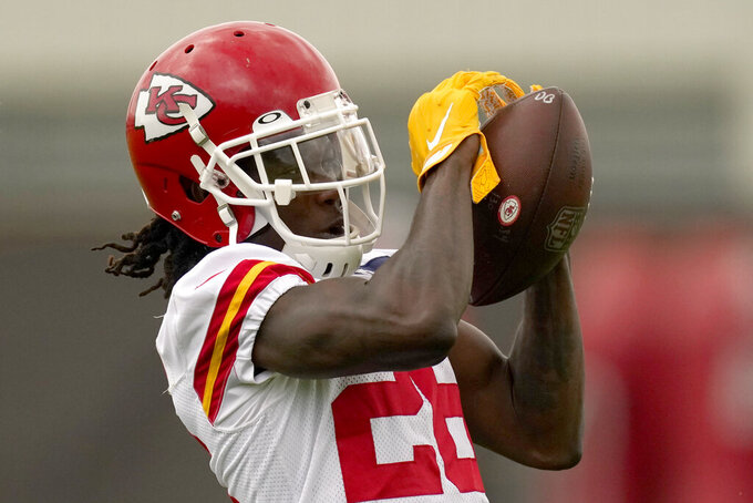Kansas City Chiefs defensive back Chris Lammons catches a ball during the NFL football team's organized team activities Thursday, May 27, 2021, in Kansas City, Mo. (AP Photo/Charlie Riedel)