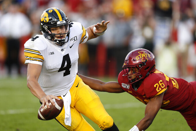 No. 19 Iowa rallies to beat Iowa State, 18-17