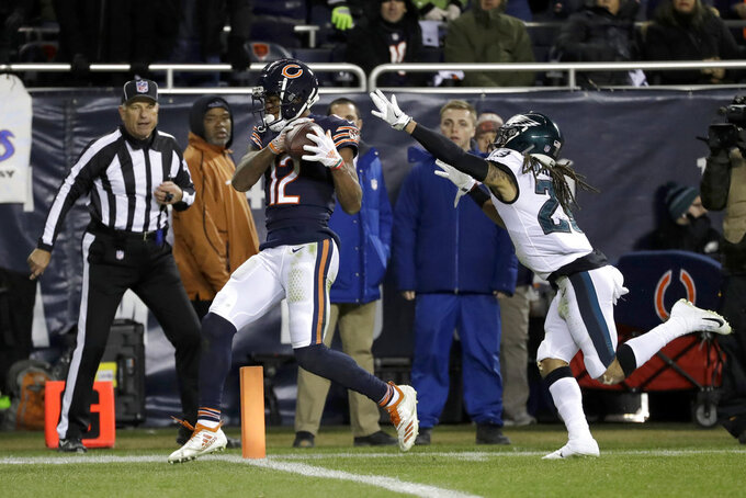 Chicago Bears wide receiver Allen Robinson (12) makes a touchdown reception against Philadelphia Eagles free safety Avonte Maddox (29) during the second half of an NFL wild-card playoff football game Sunday, Jan. 6, 2019, in Chicago. (AP Photo/Nam Y. Huh)
