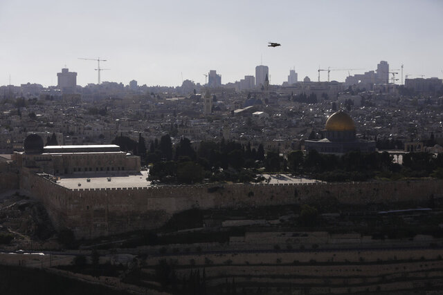Dome of the Rock and al-Aqsa mosque compound is seen deserted as it remains shut to prevent the spread of coronavirus ahead of the Islamic holy month or Ramadan in Jerusalem, Thursday, April 23, 2020. AP Photo/Sebastian Scheiner)