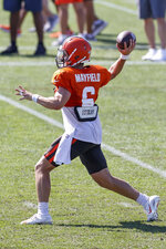 Cleveland Browns quarterback Baker Mayfield throws a pass against the New York Giants during a joint NFL football training camp practice Friday, Aug. 20, 2021, in Berea, Ohio. (AP Photo/Ron Schwane)
