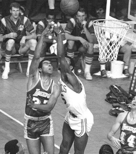 Tommy Hawkins, Bill Russell