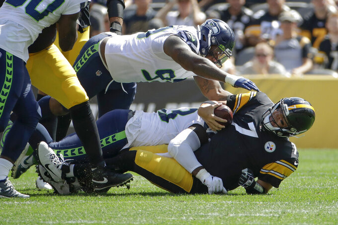 Wilson leads Seahawks past Roethlisberger-less Steelers