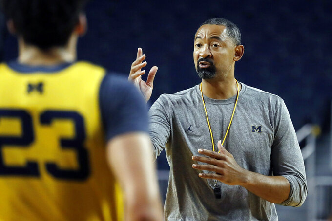 Michigan coach Juwan Howard signs 1st recruit: Zeb Jackson