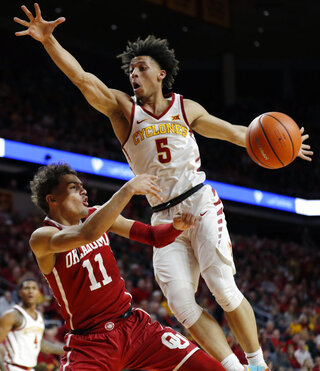 Trae Young, Lindell Wigginton