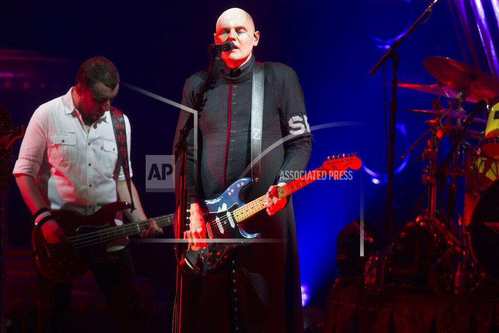 The Smashing Pumpkins and Noel Gallagher's High Flying Birds In Concert - Camden, NJ