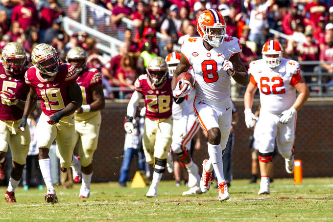 Clemson wide receiver Justyn Ross runs for a touchdown after a reception against Florida State in the first half of an NCAA college football game in Tallahassee, Fla., Saturday, Oct.27, 2018. (AP Photo/Mark Wallheiser)