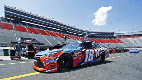 NASCAR Bristol Xfinity Auto Racing