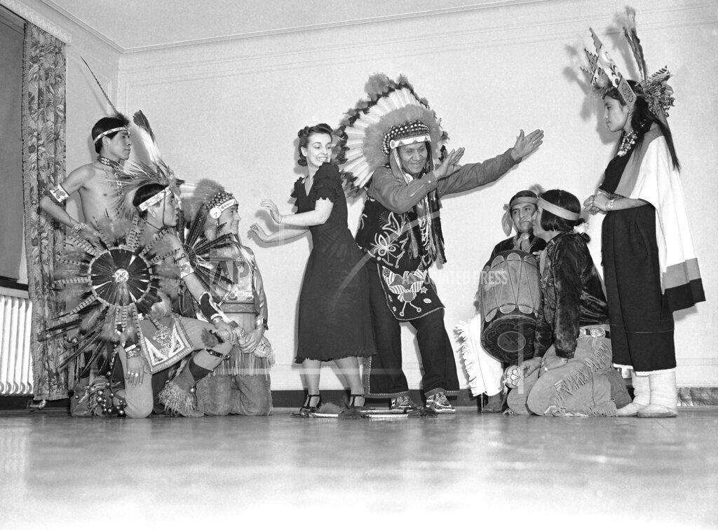 Watchf AP A  MA USA APHS326405 Native Americans 1940