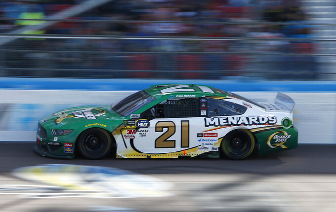 Paul Menard drives during the NASCAR Cup Series auto race at ISM Raceway, Sunday, March 10, 2019, in Avondale, Ariz. (AP Photo/Ralph Freso)