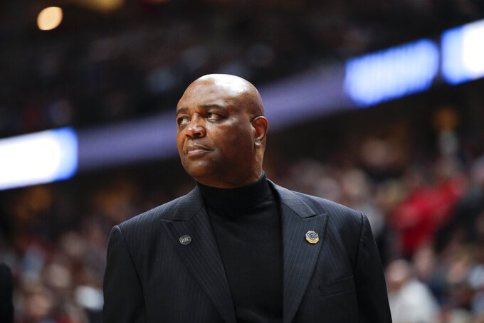 Florida State coach Leonard Hamilton watches during the second half the team's NCAA men's college basketball tournament West Region semifinal against Gonzaga on Thursday, March 28, 2019, in Anaheim, Calif. (AP Photo/Jae C. Hong)