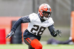 Cleveland Browns linebacker Jeremiah Owusu-Koramoah runs through a drill during an NFL football practice at the team's training facility Wednesday, June 9, 2021, in Berea, Ohio. (AP Photo/Ron Schwane)