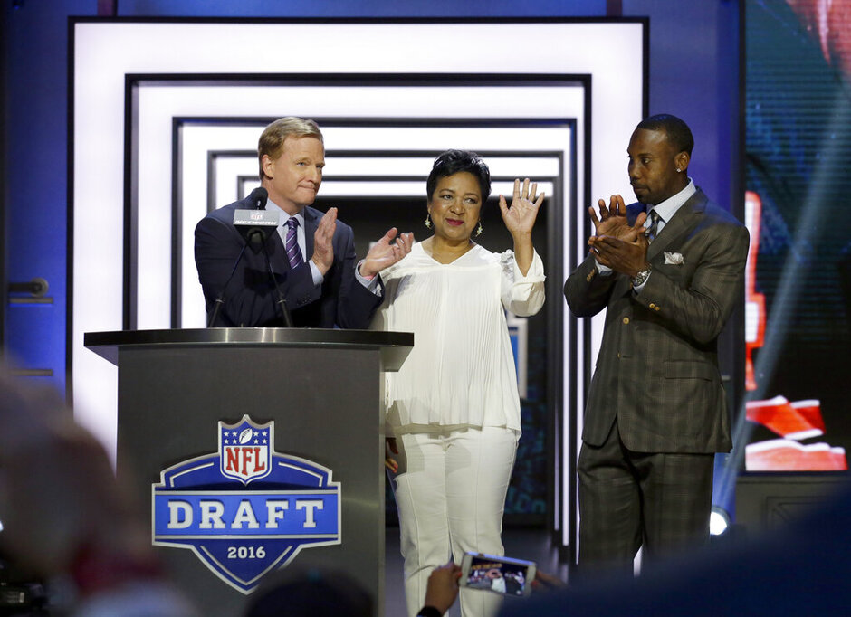 Roger Goodell, Anquan Boldin, Connie Payton