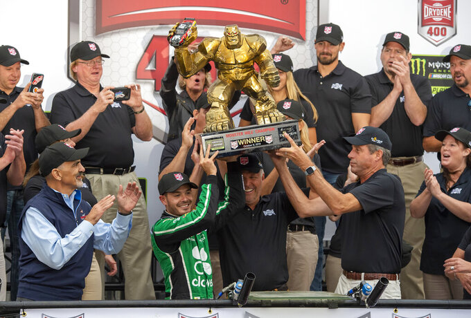 Larson flashes superstar potential with playoff win at Dover