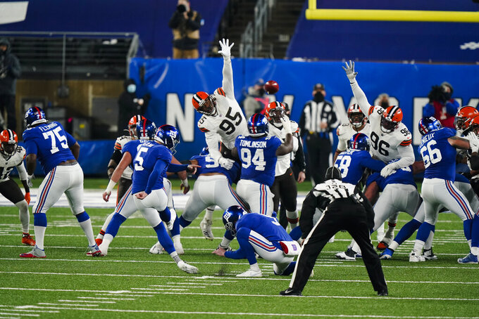 New York Giants' Graham Gano (5) kicks a field goal during the second half of an NFL football game against the Cleveland Browns, Sunday, Dec. 20, 2020, in East Rutherford, N.J. The Browns won 20-6. (AP Photo/Corey Sipkin)
