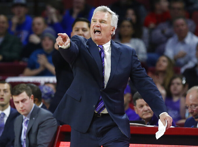 Kansas State coach Bruce Weber gestures during the second half of the team's NCAA college basketball game against Oklahoma in Norman, Okla., Wednesday, Jan. 16, 2019. (AP Photo/Sue Ogrocki)