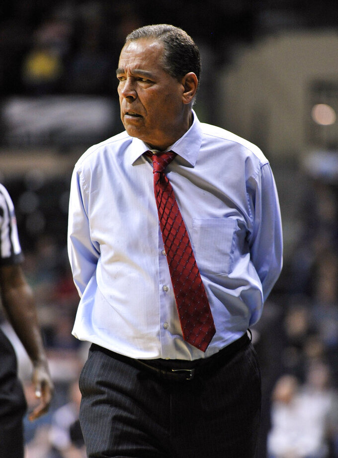 Houston coach Kelvin Sampson paces the sideline during the first half of the team's NCAA college basketball game against South Florida on Saturday, Jan. 19, 2019 in Tampa, Fla. (AP Photo/Steve Nesius)