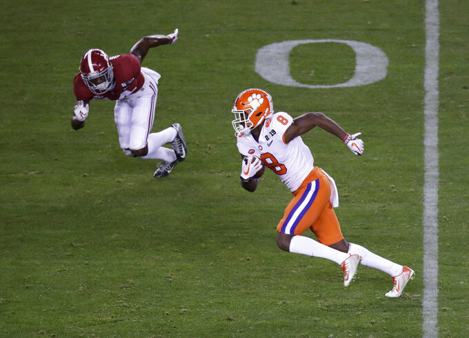 Clemson's Justyn Ross catches a touchdown pass during the second half of the NCAA college football playoff championship game against Alabama, Monday, Jan. 7, 2019, in Santa Clara, Calif. (AP Photo/Jeff Chiu)