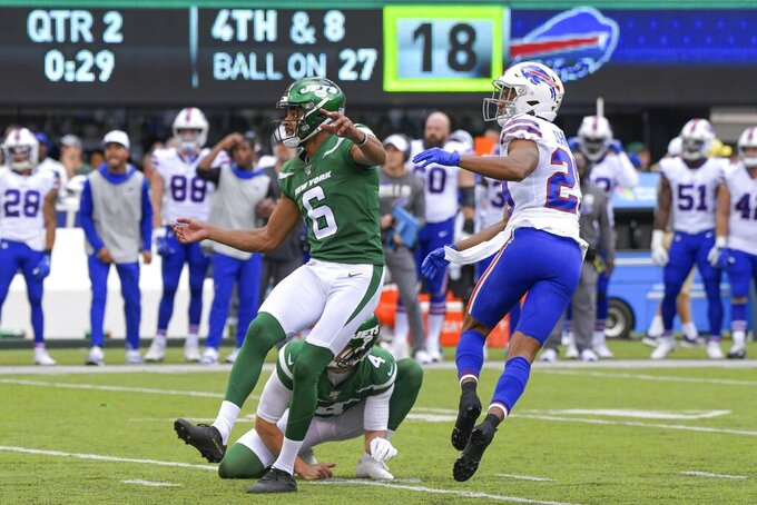 New York Jets kicker Kaare Vedvik (6) reacts after missing a field goal during the first half of an NFL football game against the Buffalo Bills Sunday, Sept. 8, 2019, in East Rutherford, N.J. (AP Photo/Bill Kostroun)