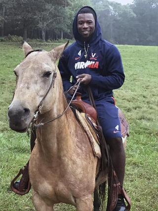 Virginia Horses Football