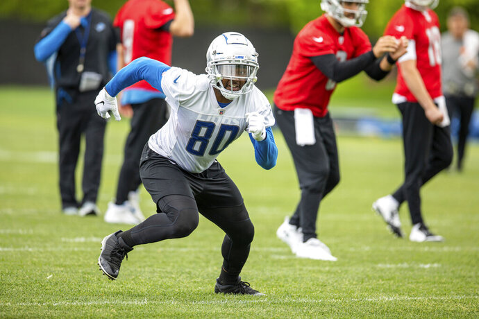 Detroit Lions tight end Michael Roberts (80) runs a route during Day 1 of OTAs on Monday, May 20, 2019 in Allen Park, Mich. (Detroit Lions via AP)