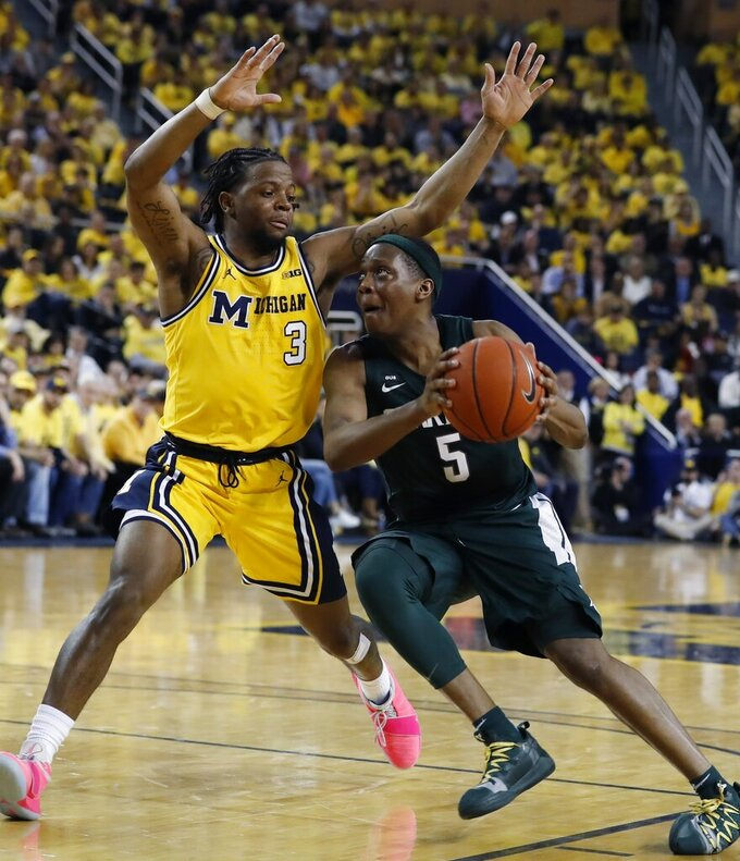 No. 10 Michigan State knocks off No. 7 Michigan 77-70