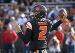 Oregon State starting quarterback Conior Blount looks for a receiver during an NCAA college football game against Southern Utah on Saturday, Sept. 8, 2018, in Corvallis, Ore. (Andy Cripe/The Corvallis Gazette-Times via AP)