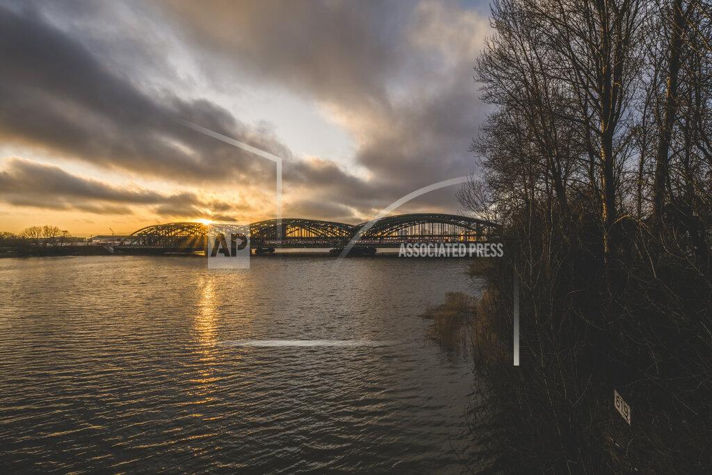 Germany, Hamburg, Freihafenelbbrucke at sunset