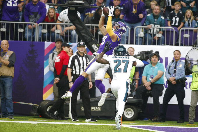 Eagles' thin pass defense exploited by Vikings