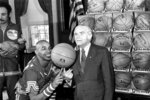 FILE - In this Feb. 15, 1977, file photo, the Harlem Globetrotters' Fred