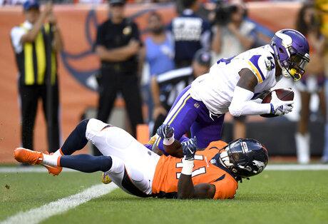 Vikings Broncos Football