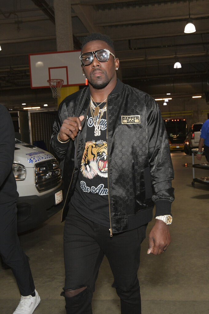 Los Angeles Chargers outside linebacker Thomas Davis arrives prior to an NFL football game against the Pittsburgh Steelers, Sunday, Oct. 13, 2019, in Carson, Calif. (AP Photo/Kyusung Gong)