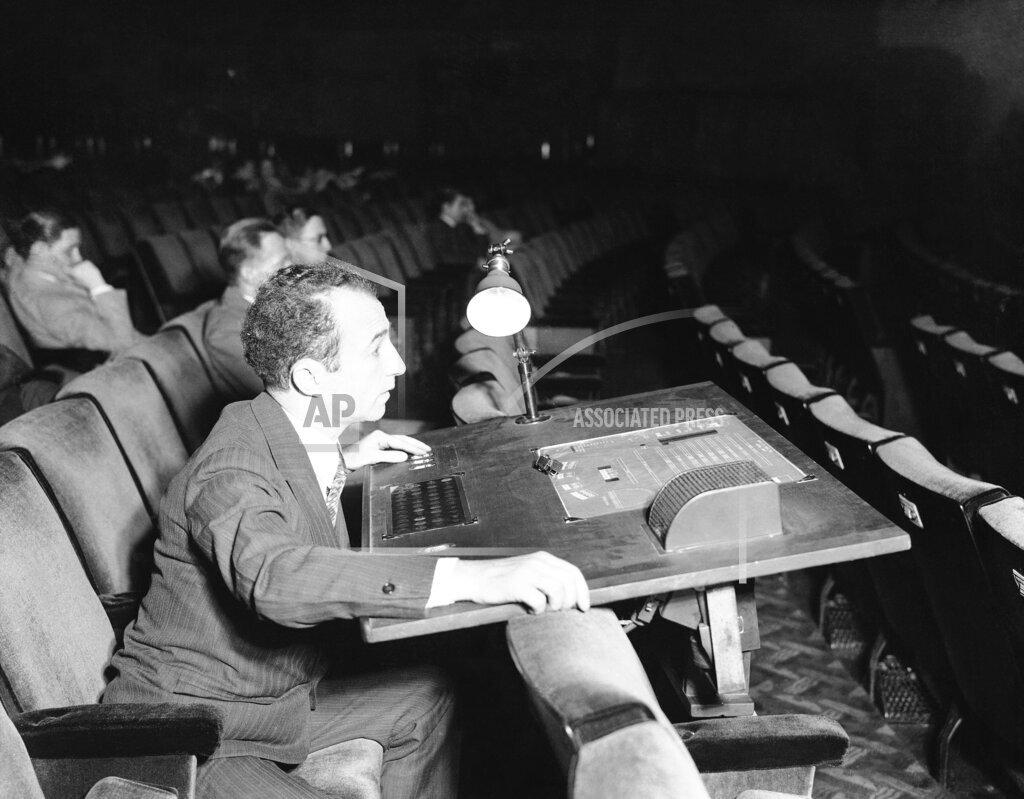 Watchf AP A ENT NEW YORK USA APHS126115 Radio City Music Hall Technology 1933