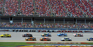 NASCAR-Aarons 499 Auto Racing