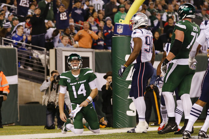 Jets' Darnold says he's 'seeing ghosts' in bad loss to Pats