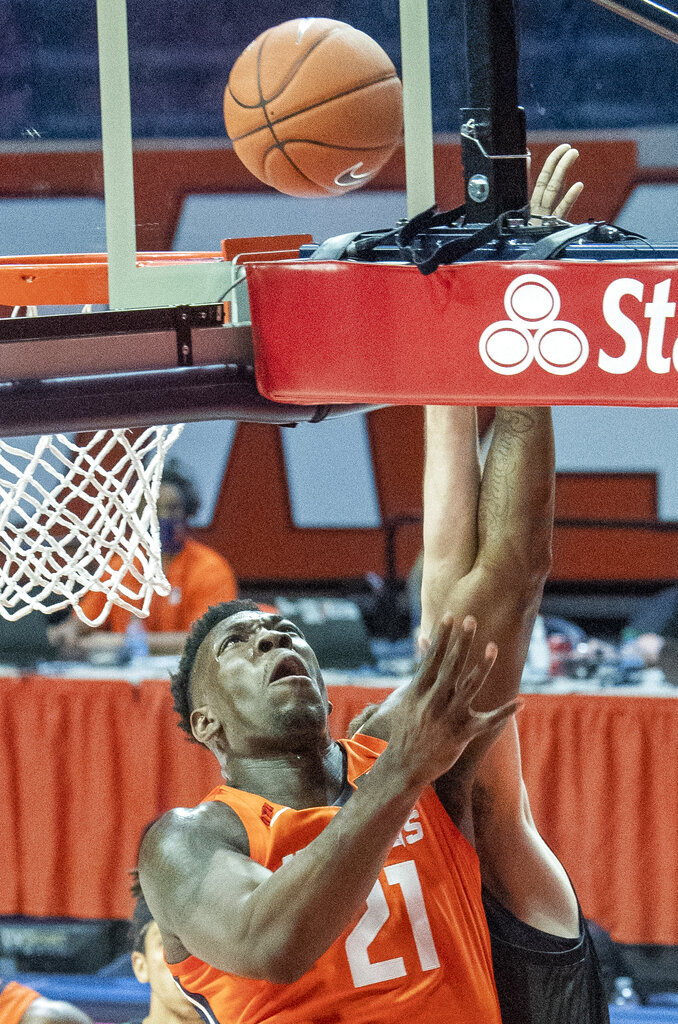 Illinois center Kofi Cockburn (21) shoots against Chicago State during the first half of an NCAA college basketball game in Champaign, Ill., Thursday, Nov. 26, 2020. (Robin Scholz/The News-Gazette via AP)