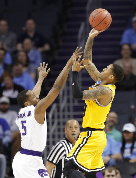 Jairus Lyles, Barry Brown