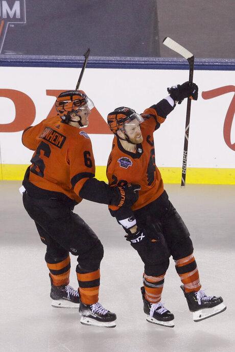 APTOPIX Penguins Flyers Hockey