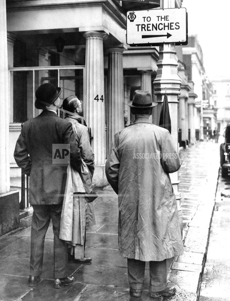 Watchf AP I   XEN GBR APHS331821 WWII British Isles