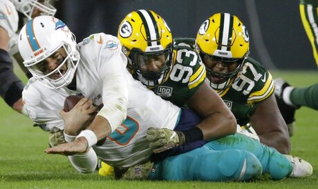 Dolphins Packers Football